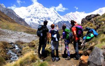 Trekker auf dem Weg zum Annapurna Base Camp