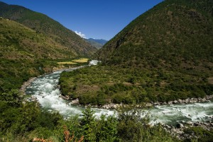 BHUTAN/ Eastern Bhutan 10/ 2006 Kulong Chu (river) ©Josef Polleross